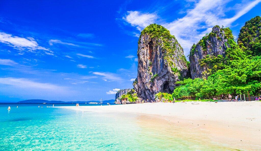 Koh Phayam,Koh Kood,Chumphon,Koh Hong,Koh Phangan,Koh Phra Thong,Koh Muk,Koh Pu,Koh Larn,Koh Bulon Leh