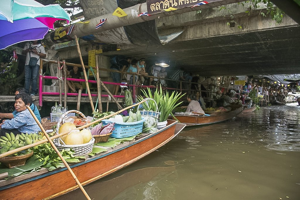 Khlong Lat Mayom Floating market mostly features food courts on the banks of the canal