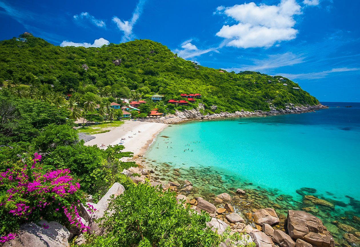 Au Leuk is little gem of a beach with beautiful sand, turquoise water.