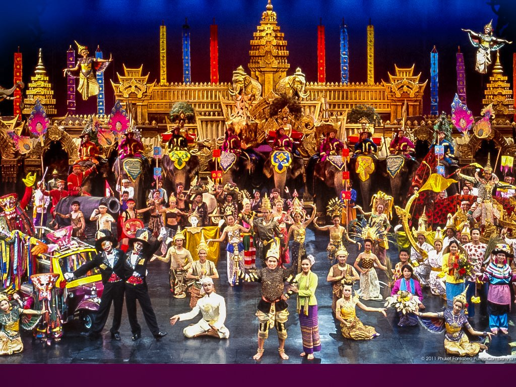 FantaSea Show Phuket showcases the beauty and charm of Thailand and ancient Thai traditions.