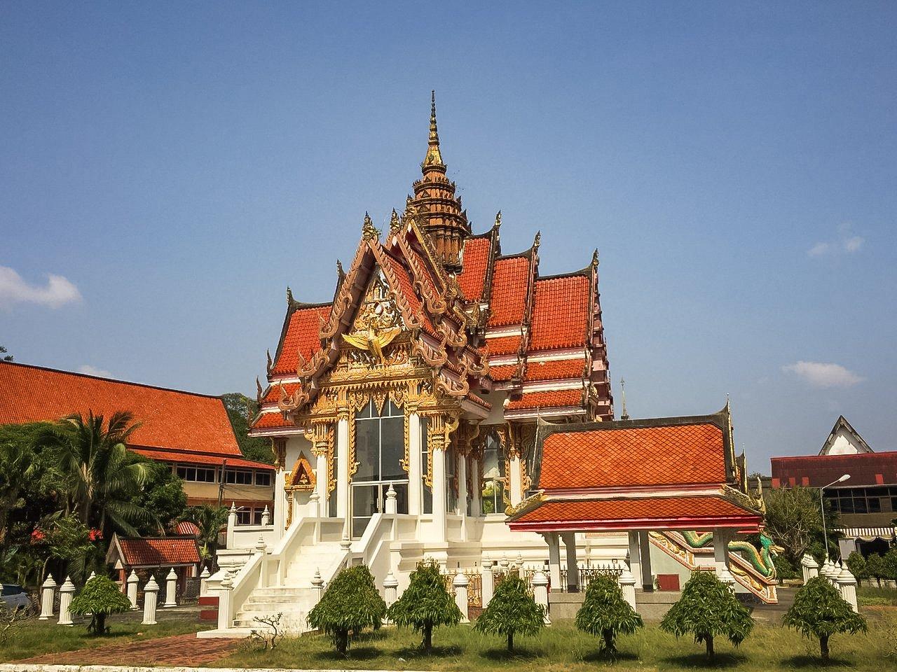 Wat Hatyai Nai is the buddhist temple in Hatyai with third largest reclining Buddha.
