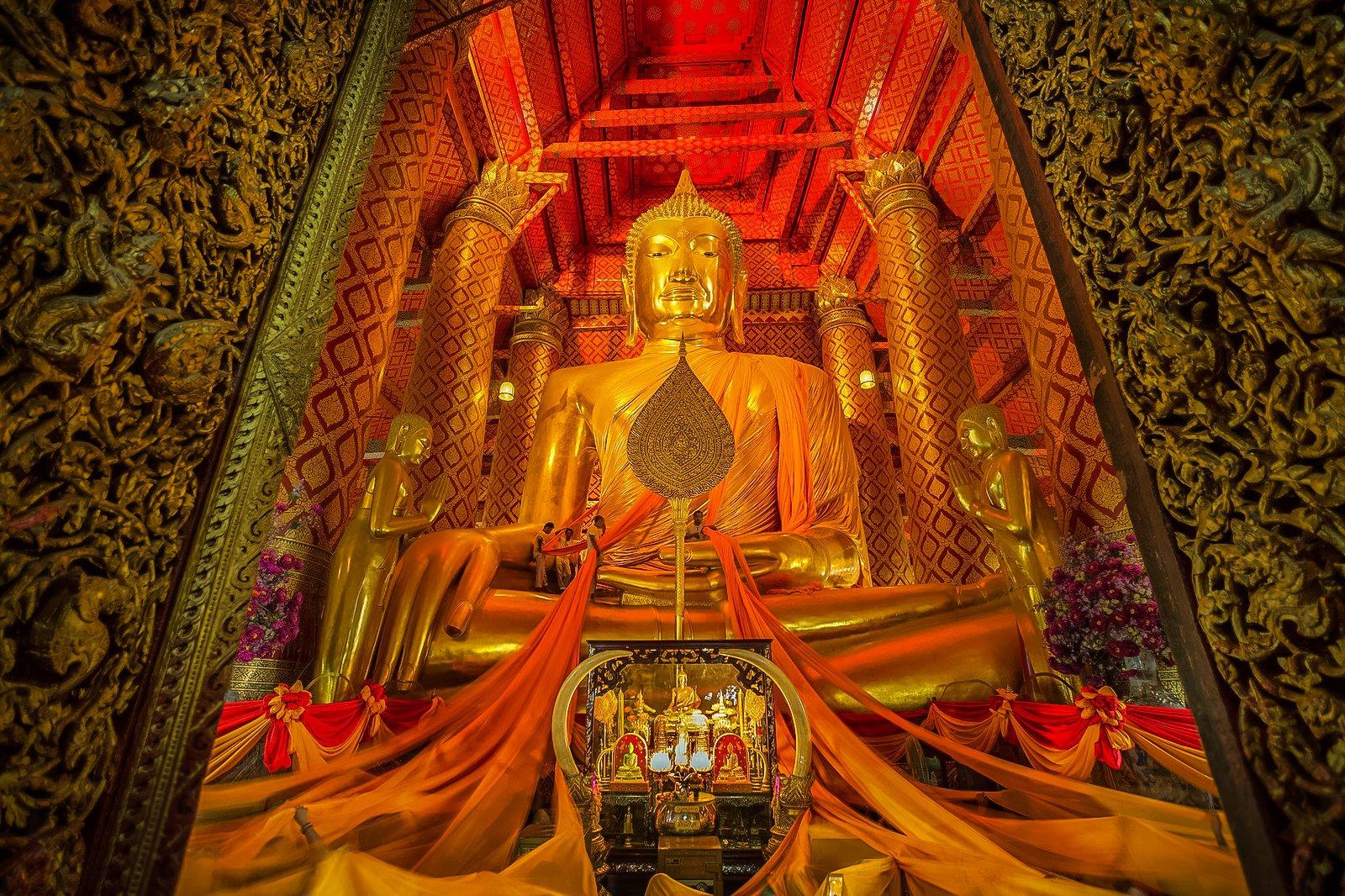 Buddhist temple Wat Phanan Choeng is part of Ayutthaya Historical Park in Ayutthaya City, Thailand.