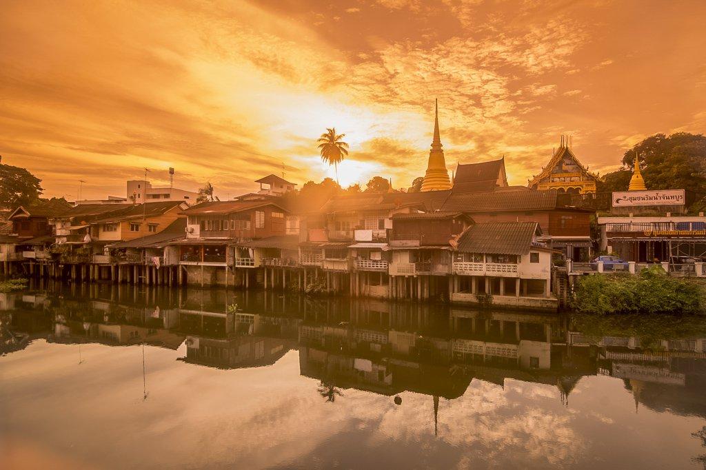 Wat Bot on Mae Nam Chanthanburi River, old town waterfront.